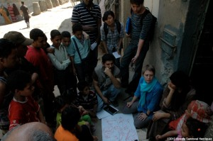 Together with community members the students are doing participatory mapping of the area's problems